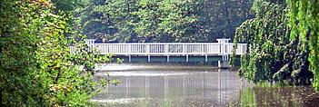 Panoramaaufnahme der Hunte mit Melkerbrücke im Hintergrund